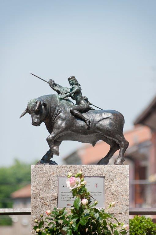 statua-base
