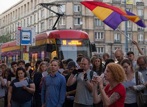 Gli antifascisti polacchi dicono no alla cancellazione  della via Dabrowszczacy a Varsavia