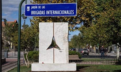 Inaugurazione del monumento dedicato alle Brigate Internazionali nel giardino di Vicálvaro (Madrid)